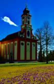 Kirche im Frühling