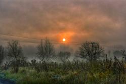 Listopadowy wschód słońca