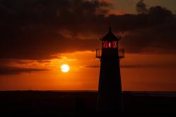 Sonnenaufgang und Leuchtturm