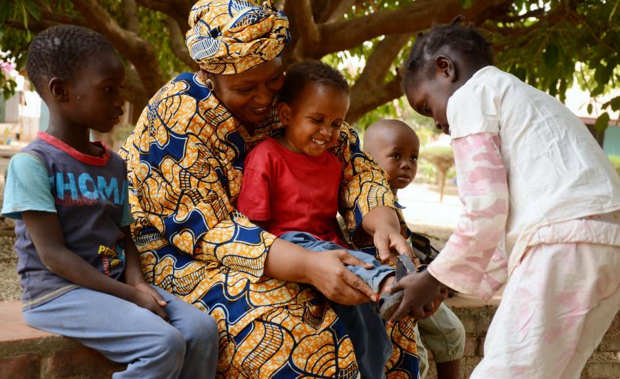 CEWE och SOS Barnbyar International