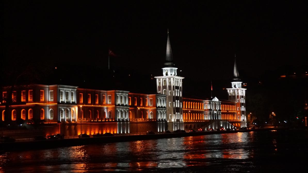 Bosporus bei Nacht