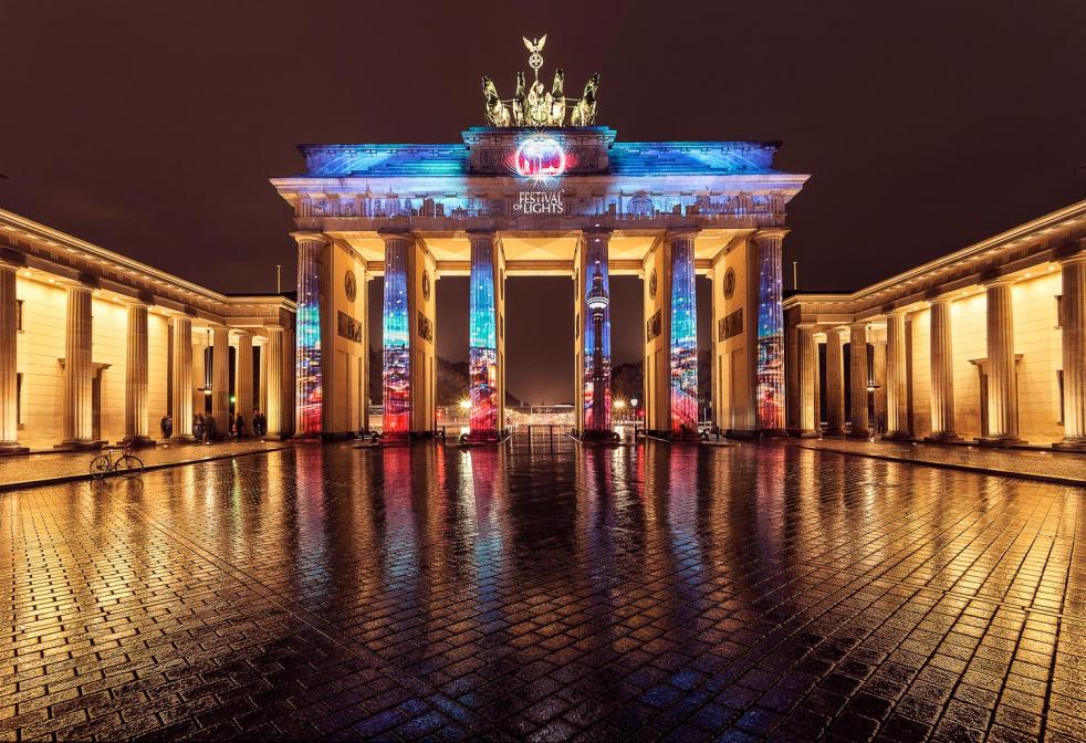 Brandenburger Tor mit Spieglung