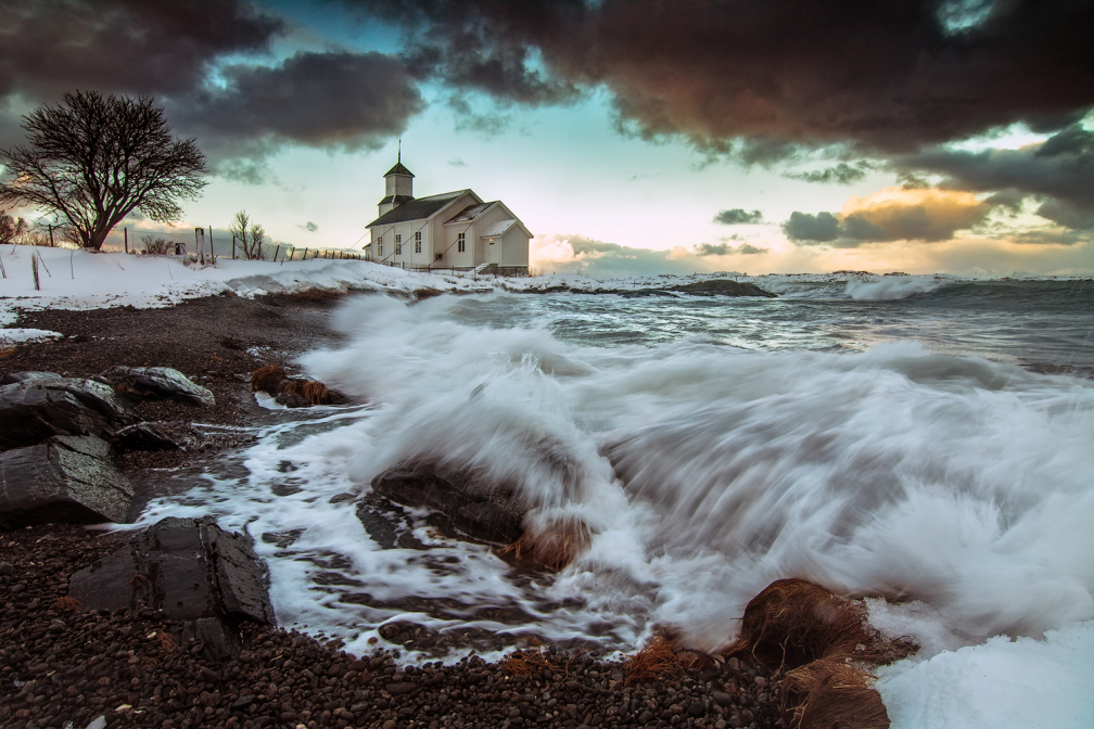 Gimsoy - white church
