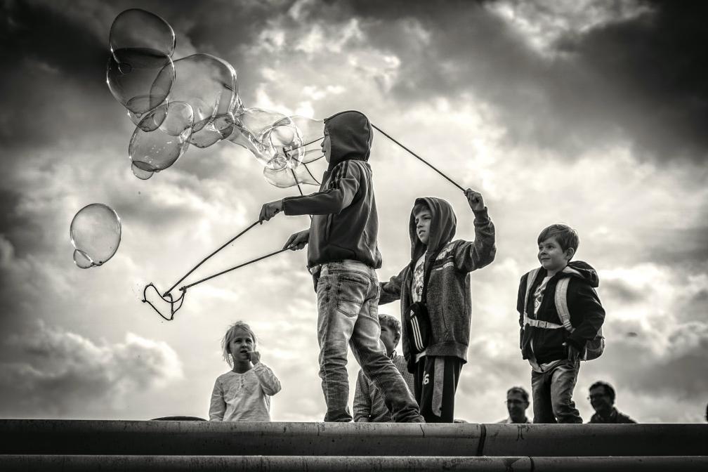 Kids Playing at Landungsbrücken