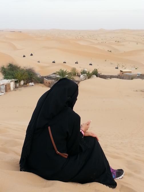 Araberin in der Wüste